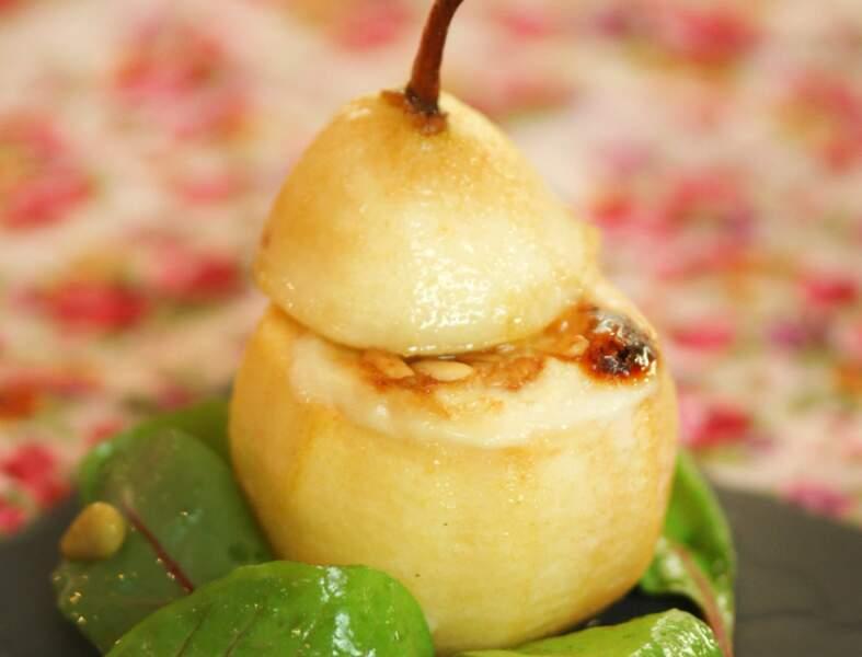 Poire rôtie au four, Banon au miel et pignons de pin