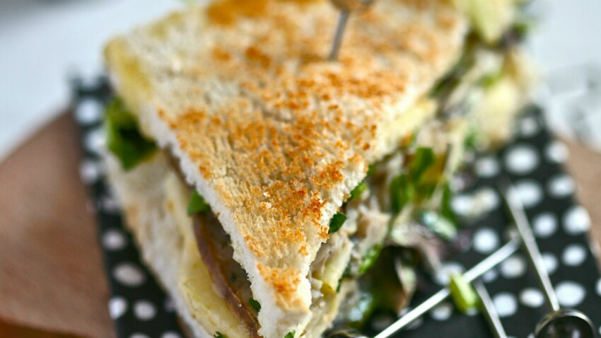 Club sandwich camembert, andouille, pomme