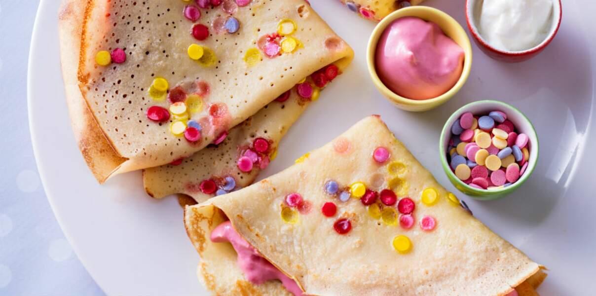 Crêpes confettis et crème rose à la fraise