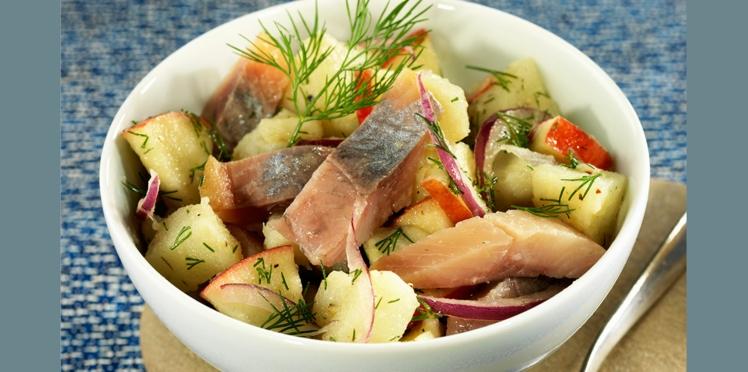 Salade de harengs fumés aux pommes fruits