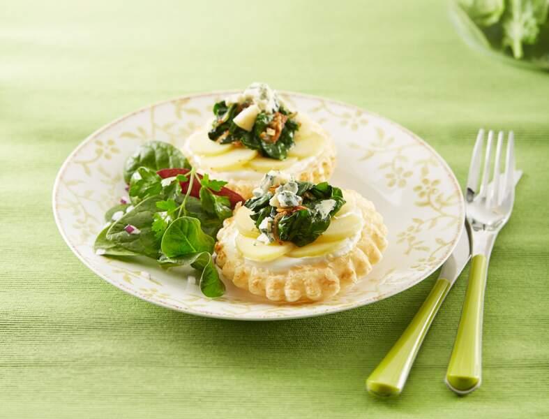Tartelettes de Ratte du Touquet, pousses d'épinards et bleu de Bresse