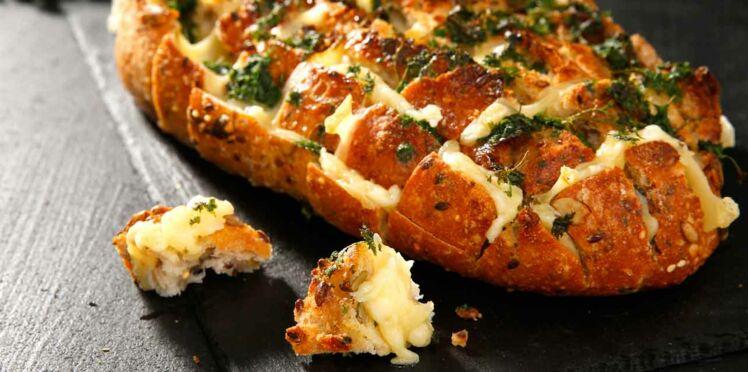 Pain gourmand aux fromages fondus