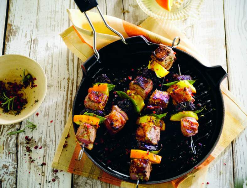Brochettes de canard, prune et orange