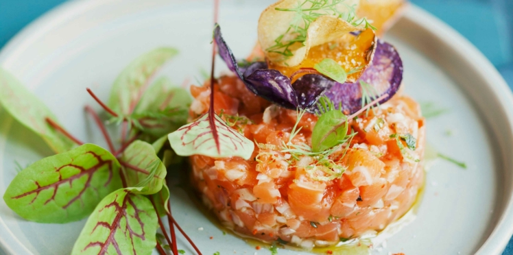Tartare de saumon à l'aneth, sauce aigre-douce