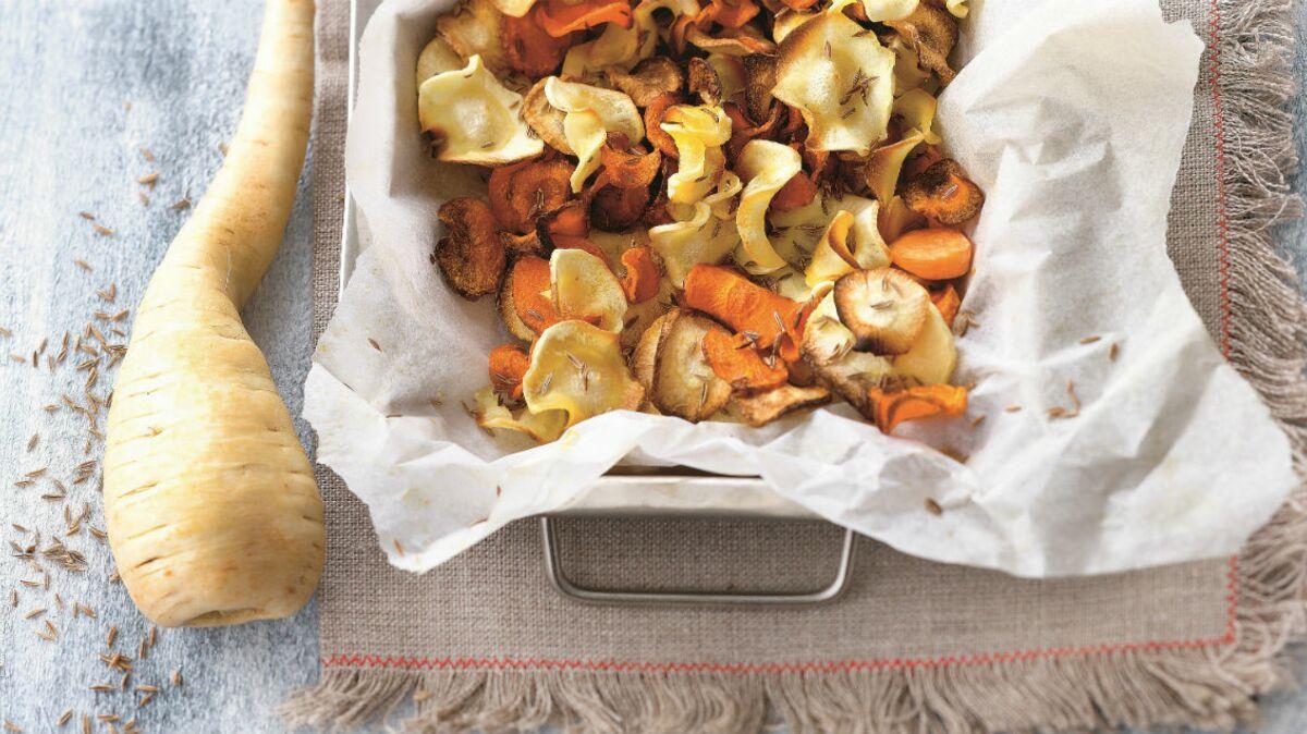 Chips de carotte et de panais au four