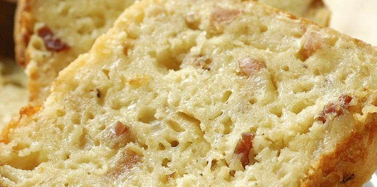 Cake aux oignons, lardons et moutarde