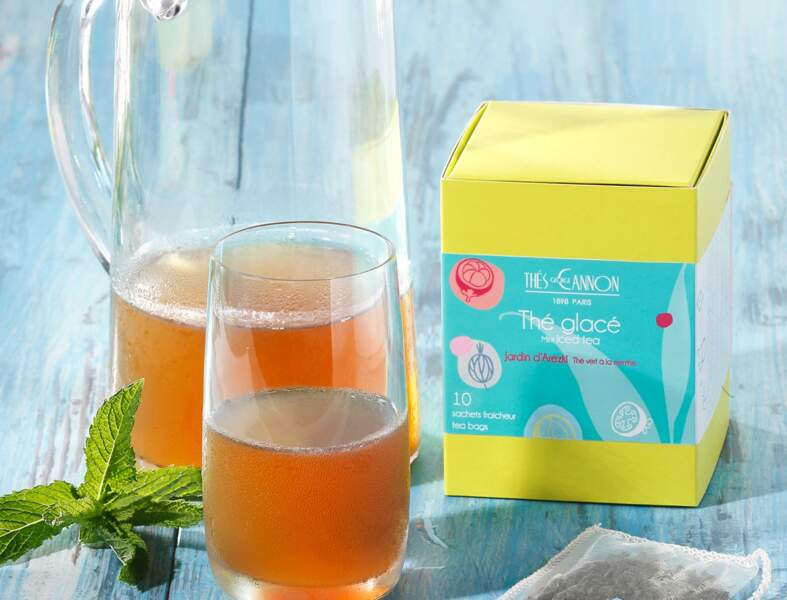 Thé vert à la menthe glacé