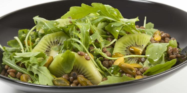 Salade de lentilles, kiwi, roquette et pistache verte