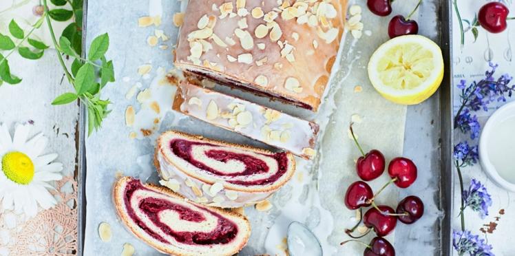 Gâteau roulé aux cerises