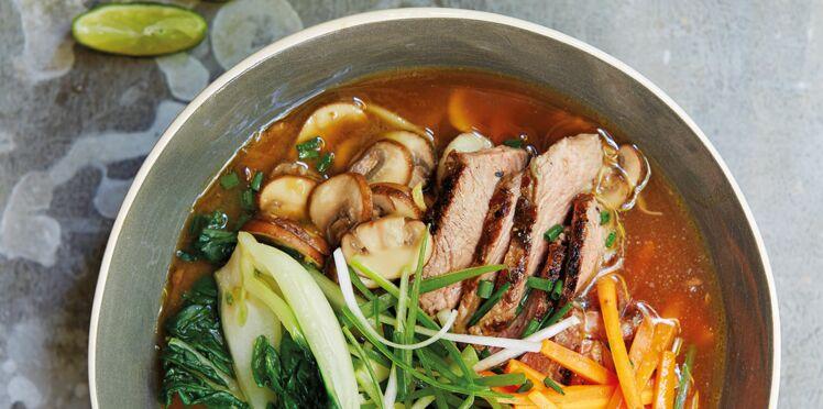 Soupe miso au bœuf et nouilles ramen