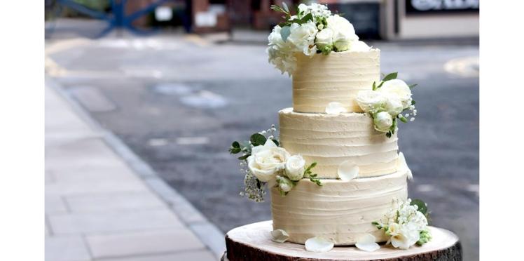 Gâteau royal au citron et à la fleur de sureau (vegan)