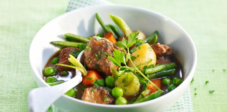 Navarin d'agneau traditionnel aux petits légumes