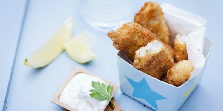 Nuggets de poisson, sauce au fromage blanc