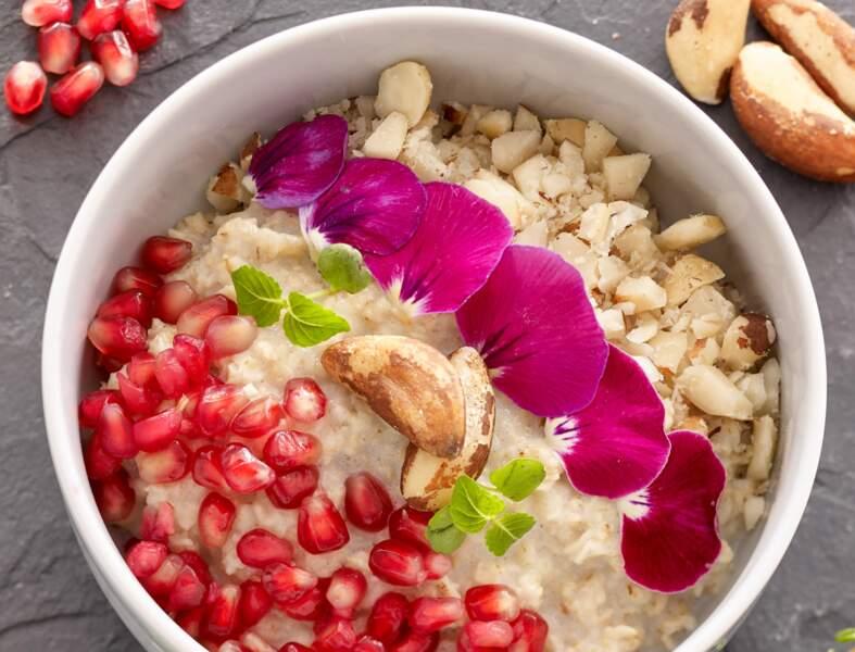Petit-déjeuner anti-cancer : recette du porridge à la grenade et noix du Brésil
