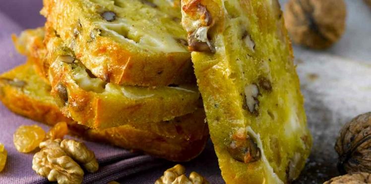 Cake de Sophie Dudemaine au chèvre, aux noix et aux raisins