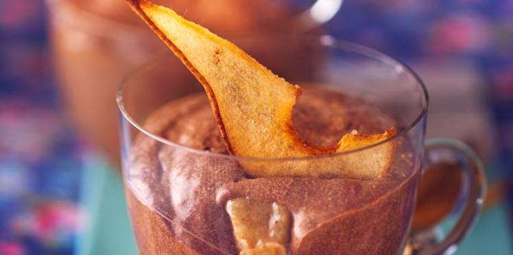 Mousse chocolat-caramel et poires rôties aux épices