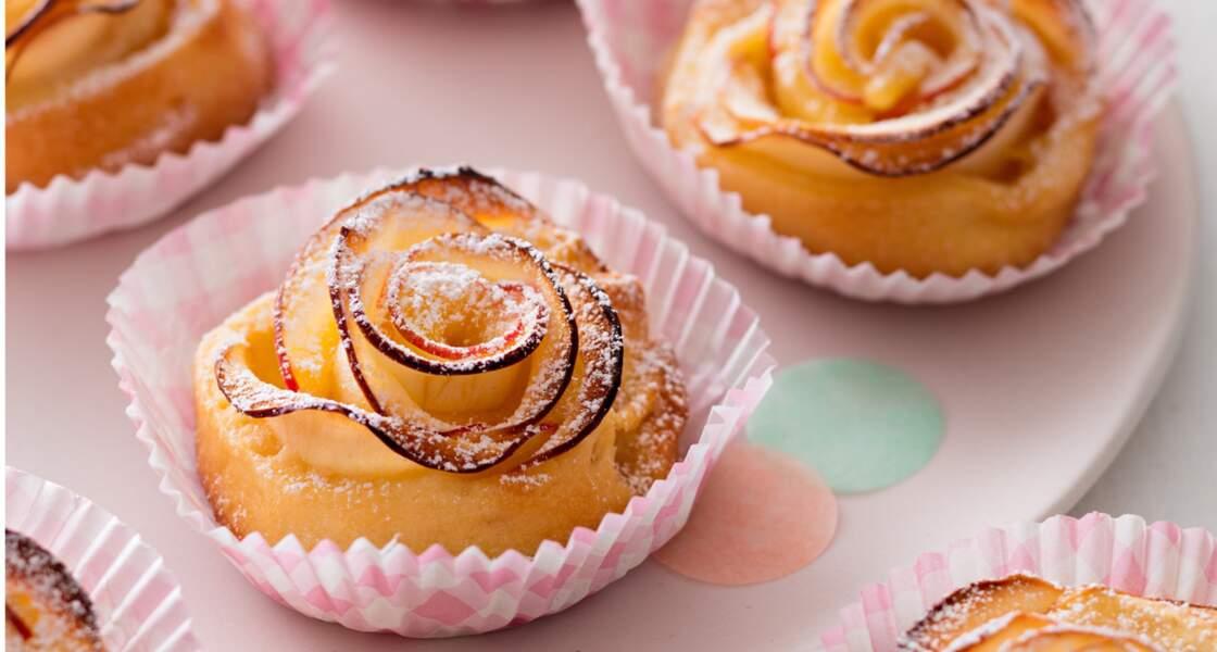 Roses de pommes en tartelettes