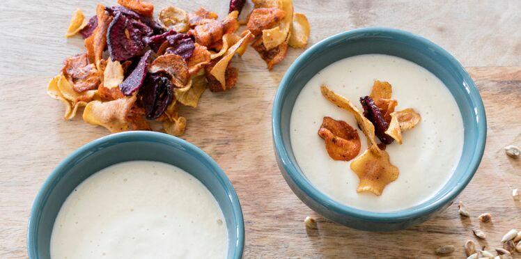 Crème de chou-fleur aux chips de Laura Annaert