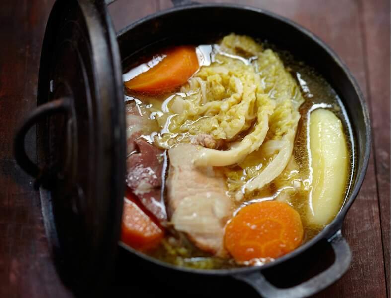 Bouillon traditionnel aux légumes d'hiver