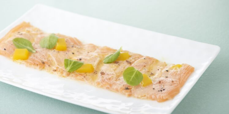 Carpaccio de saumon norvégien aux fruits de la passion