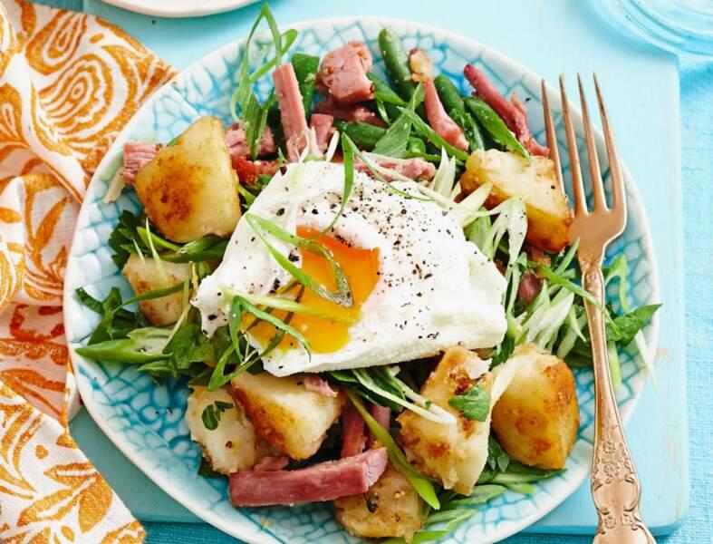 Salade de pommes de terre à l'œuf poché