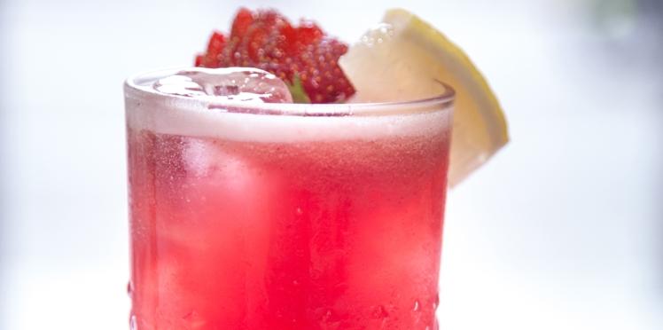 Cocktail fraise rhubarbe sans alcool