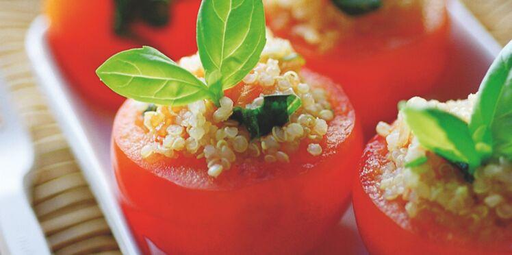 Tomates farcies au quinoa, parfumées au basilic