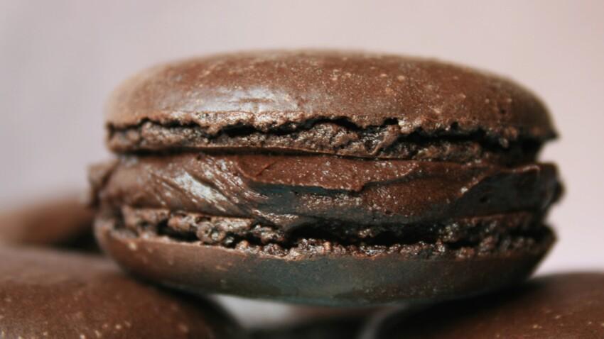 La recette du macaron au chocolat en vidéo