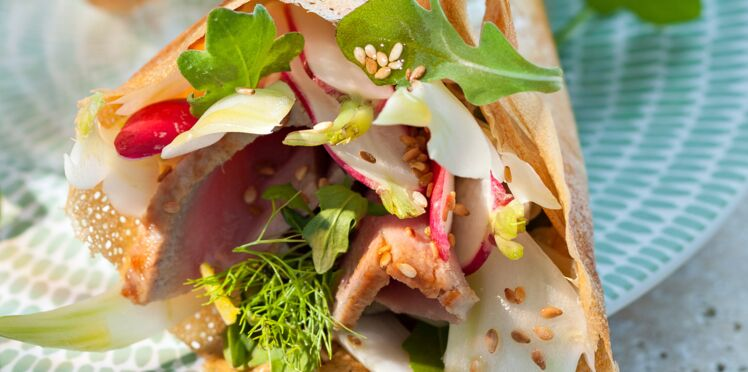 Salade de thon mi-cuit en feuille de brick