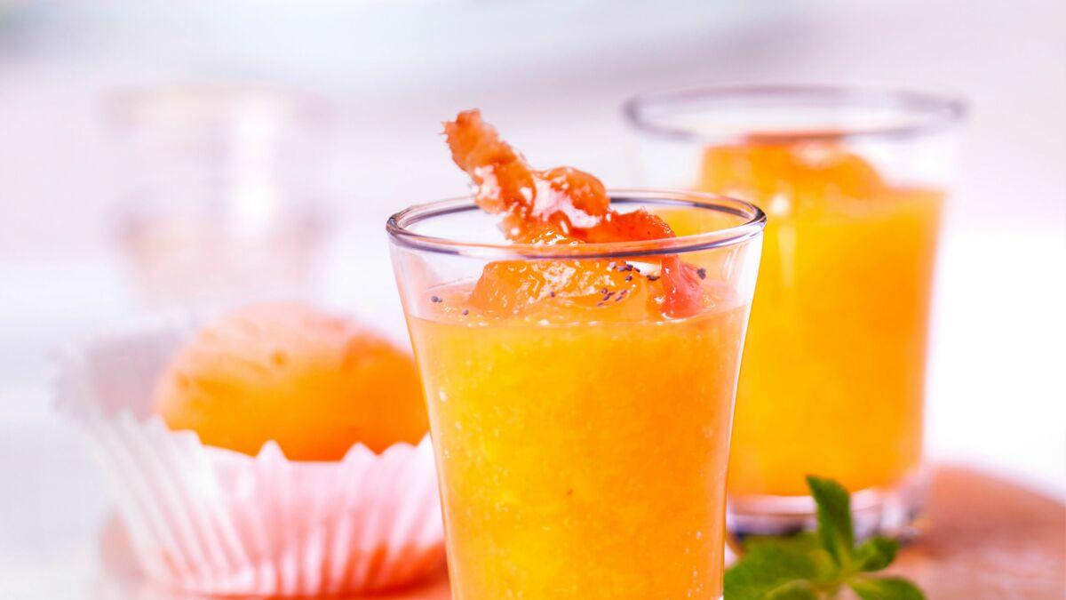 Soupe froide d'abricots rôtis
