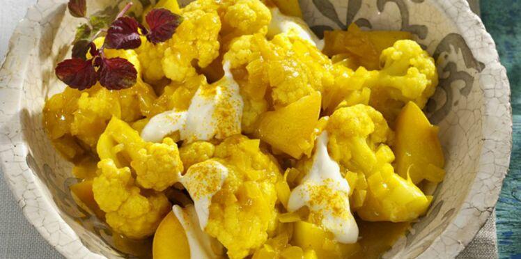 Chou-fleur au curry et aux pommes