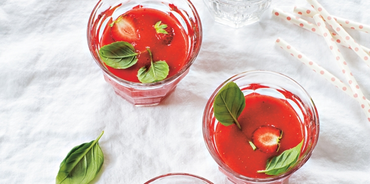 Gaspacho de fraises au basilic