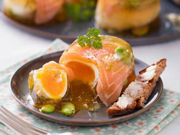 cabillaud poch bouillon citronn aux f ves et poireau d couvrez les recettes de cuisine de. Black Bedroom Furniture Sets. Home Design Ideas