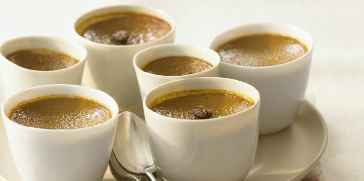 Petits flans au café