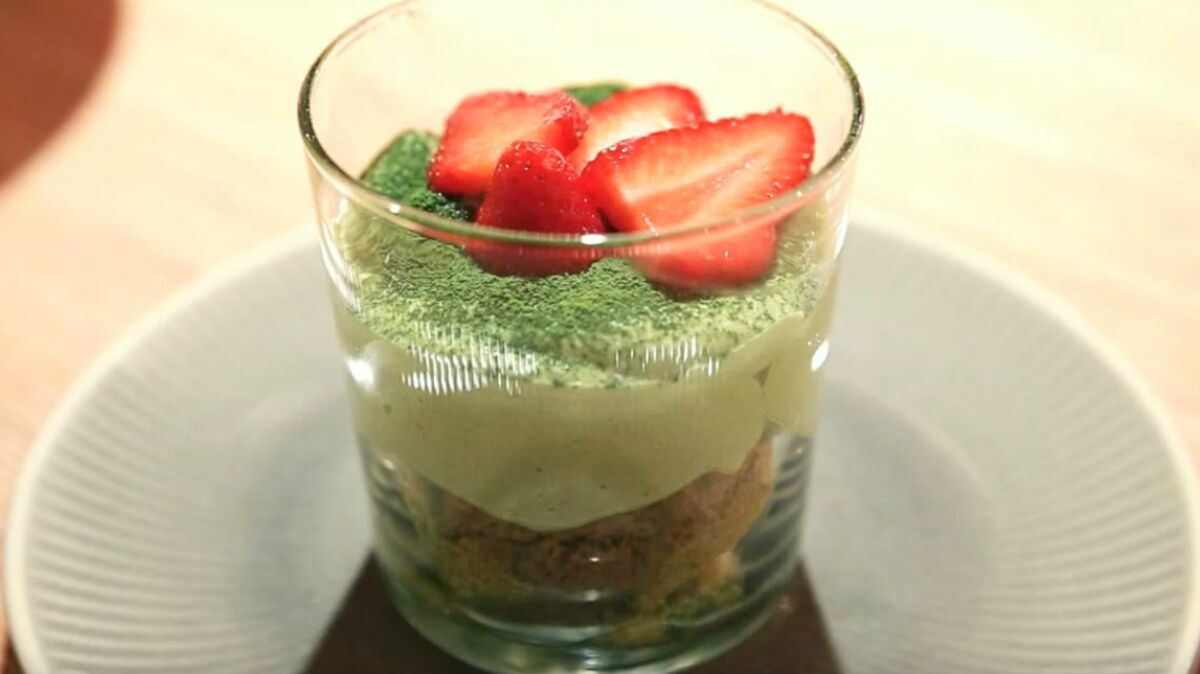 Tiramisu aux fraises et thé matcha