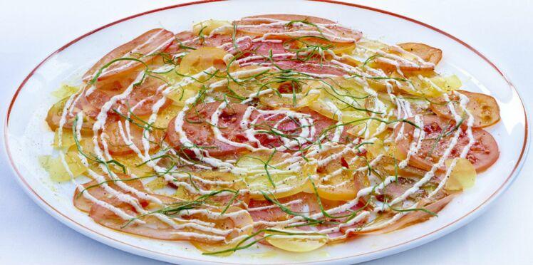 Carpaccio  de tomates, crème fraîche et oseille