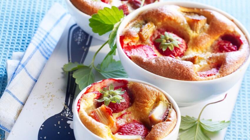Omelette fraise-rhubarbe à la verveine