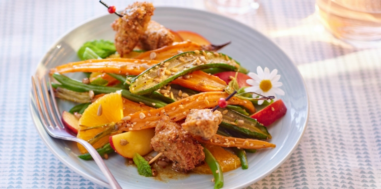 Légumes rôtis, salade fruitée et falafels croustillants