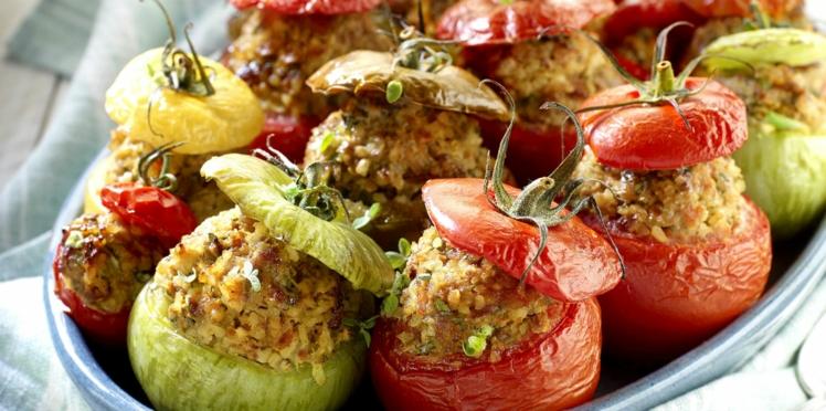 Tomates farcies à l'agneau, boulghour et cannelle
