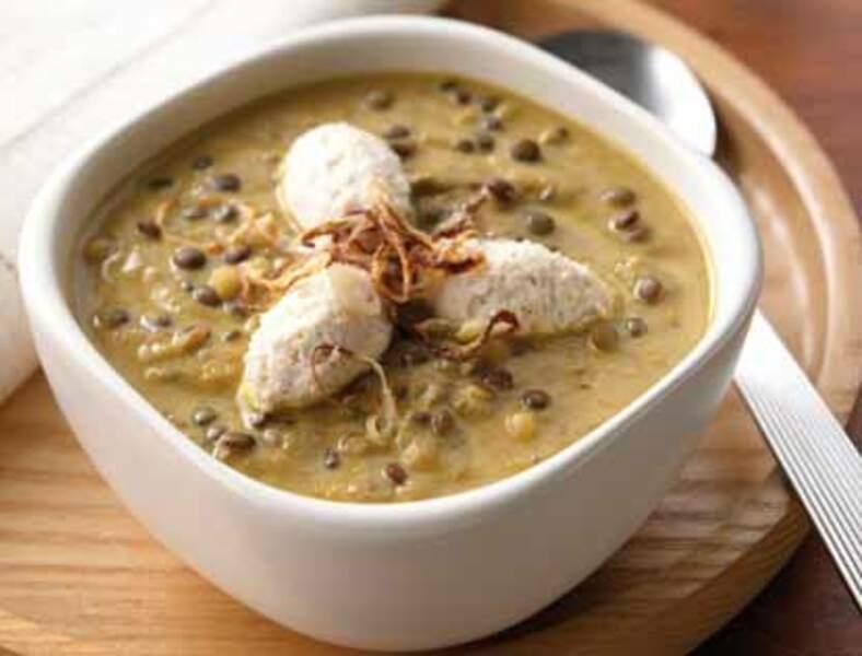 Menu végétarien - Soupe de lentilles et quenelles de crème