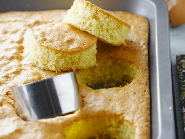Gâteau nature moelleux : découvrez les recettes de cuisine de Femme Actuelle Le MAG