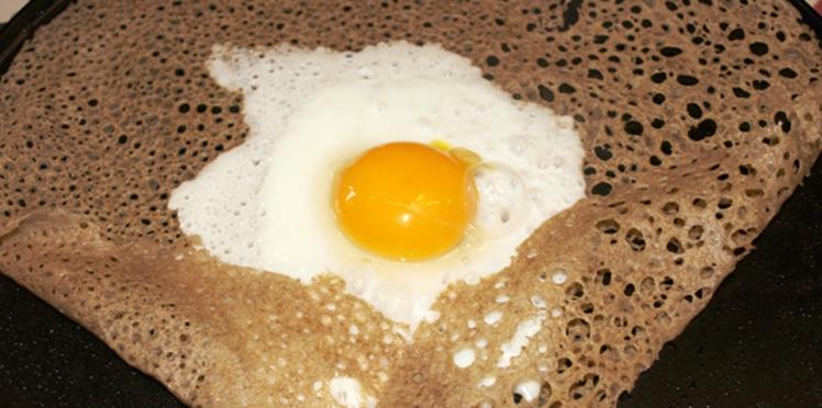 Galette de sarrasin et son œuf miroir