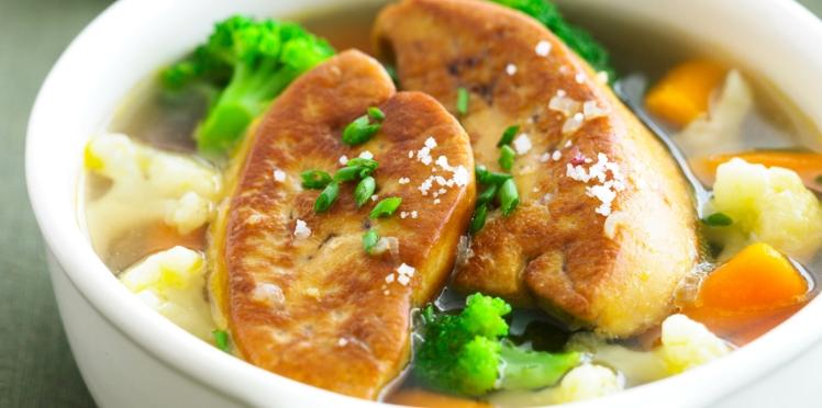 Foie gras poêlé aux légumes pochés