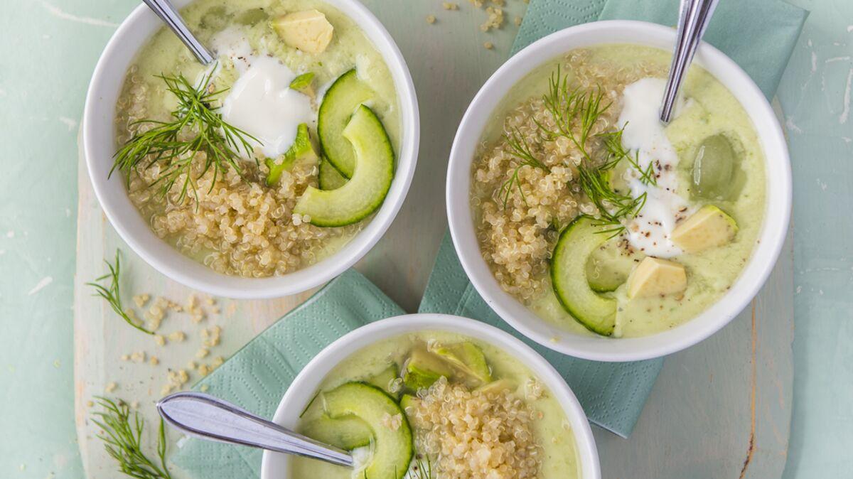 Soupe froide d'avocat et de concombre au quinoa