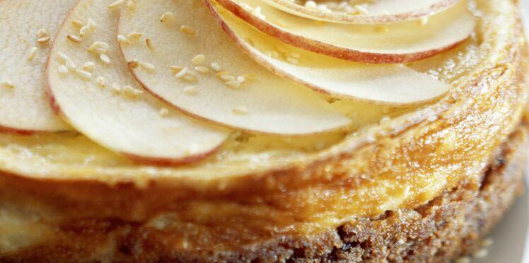 Gâteau fourré au fromage blanc et aux pommes