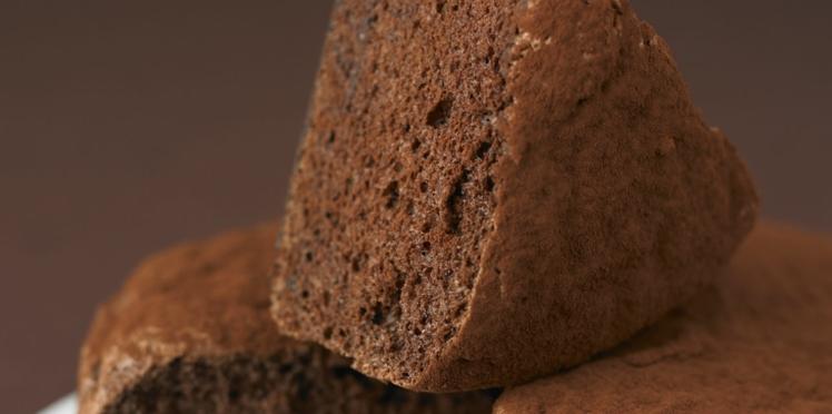 Gâteau au chocolat gonflé