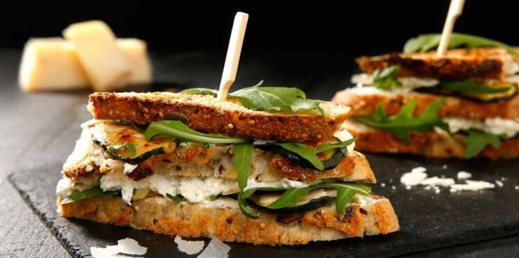 Sandwich courgette et fromage ail et fines herbes