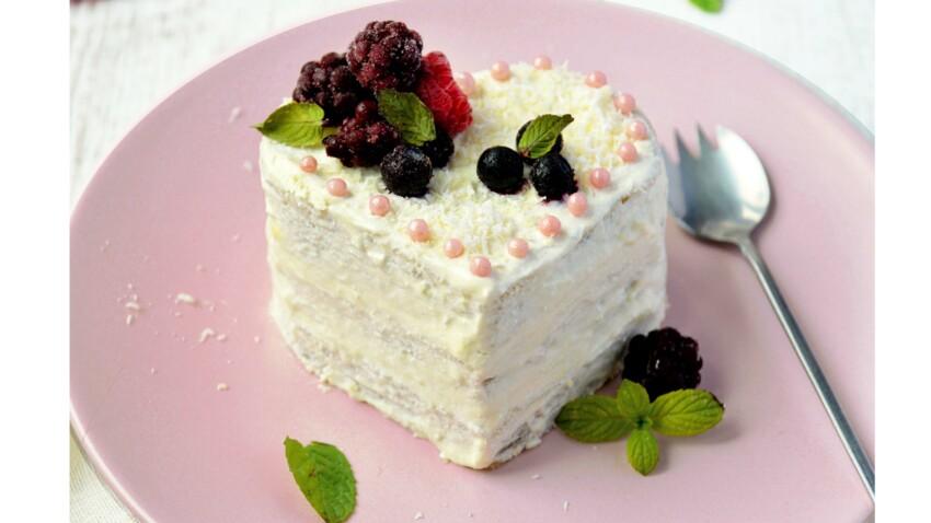 Layer cake vegan aux fruits rouges