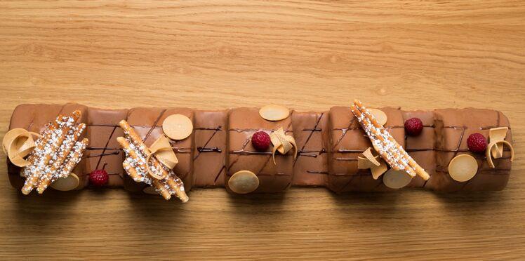 Buche Bueno, pignons, noix de pécan et chocolat de Pierre Augé