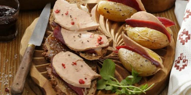 Les tartines de Foie Gras et Magret fumé au confit d'oignon